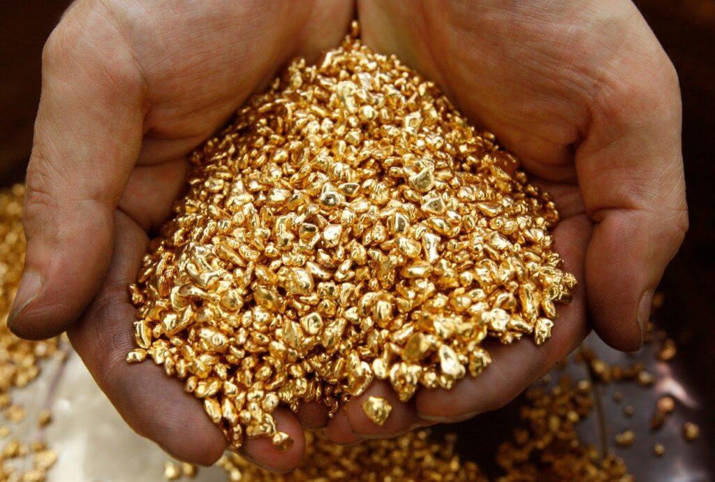 Добыча золота золотоискателями